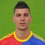 Aleksandar Dragovic kan bli den nye midtstopperen til Roma