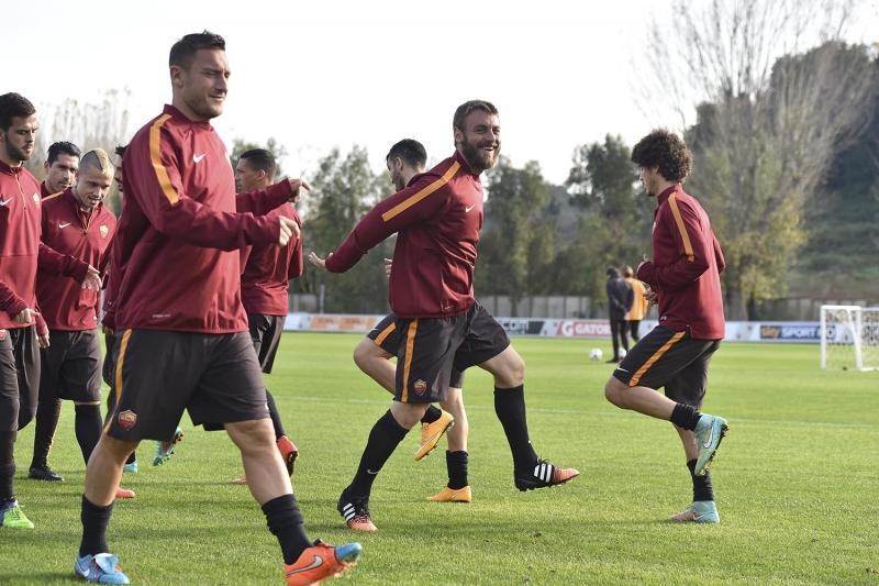 Mandag trener Roma i Moskva