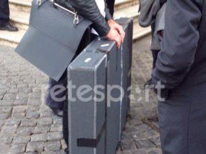 Hva er i kofferten til Dan Meis?