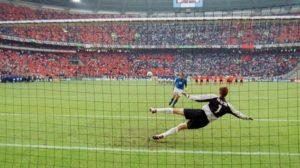 Italia-Olanda-3-1-il-folle-cucchiaio-di-Francesco-Totti