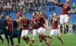 roma-fiorentina-2-1-giocatori-vanno-verso-curva-sud-700x420